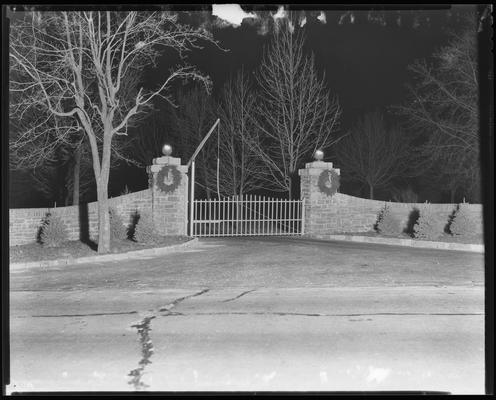 J.E. Madden; Kings Three Gate (horse gate)