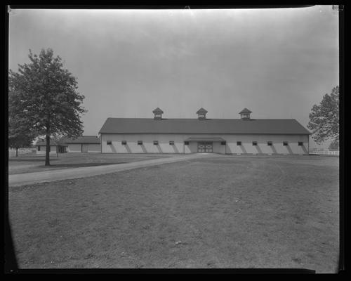 Calumet Farm; horse barn, exterior