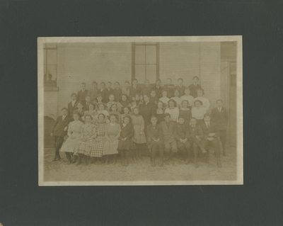 Large group photo, mostly children