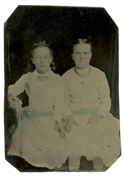 Hand-colored group portrait of two unidentified girls