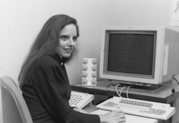 Fredwest, Dianne, 1993 alumna