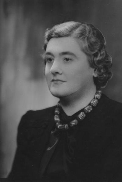 Gifford, Chloe, Alumna, College of Law, 1924, Director of University Community Services, Faculty, University Cooperative Extension Service
