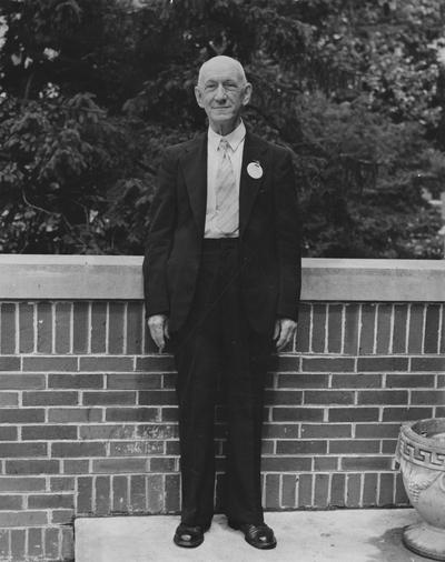 Graves, C. S., Alumnus, 1884, pictured at a class reunion