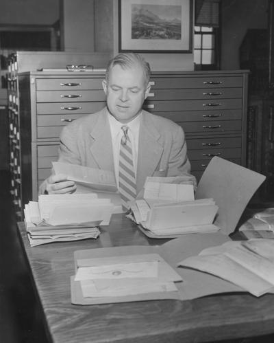 Hamilton, Holman, Professor of History, photographer: Mack Hughes