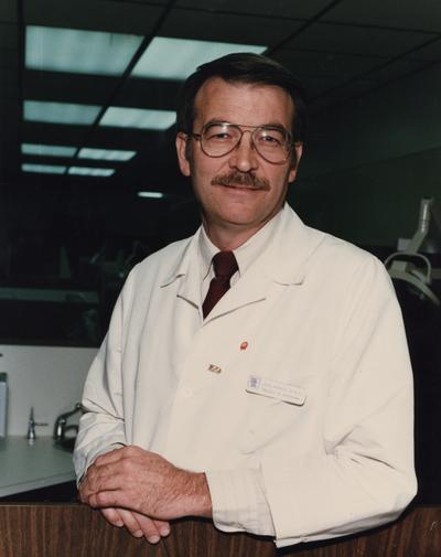 Kemper, John, Professor of College of Dentistry