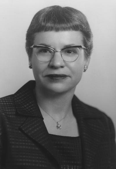 Kern, Mary Sue, Associate Professor of Nursing, Photographer: Lee Brothers, Public Relations Department