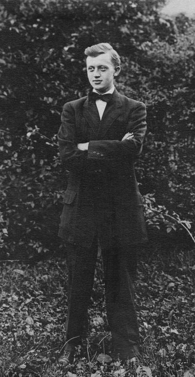 Lewis, Logan L., Assistant in Modshop 1907-1909, born 1887