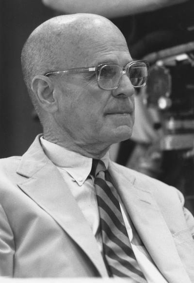 Bates, Ted, Member of Board of Trustees, 1987 - 1992; 1996 - 2001, former President of University of Kentucky National Alumni Association