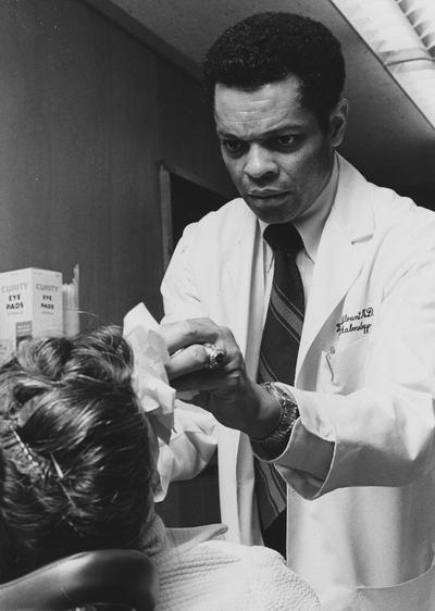 Blount, Wilbur C., Professor of Ophthalmology, University Information Services