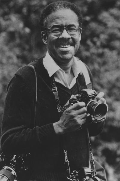 Sleet, Moneta, b. 1926-d. 1996, In Kentucky Journalists Hall of Fame, Attended Kentucky State, M.S. in Journalism from NYU, he was the first African American to win the Pulitzer (1959)