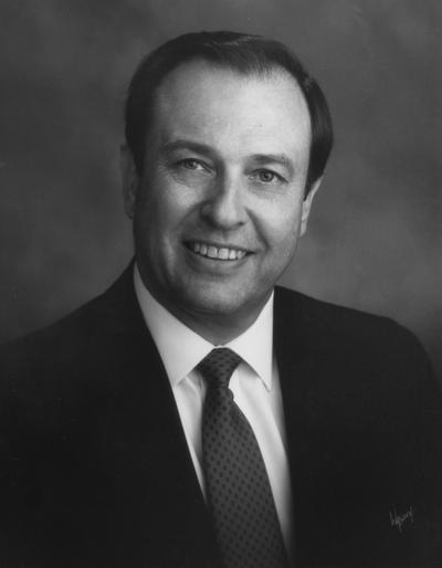 Wethington, Charles, University of Kentucky President 1990-2001, photograph by Walden's