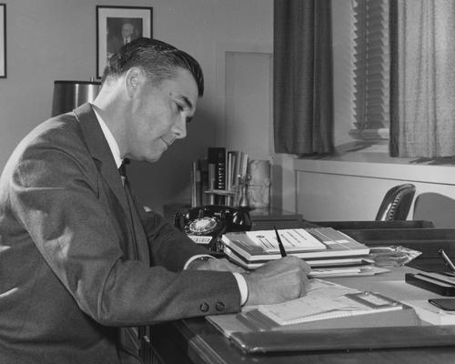 Witt, Hugh E., 1943 alumnus