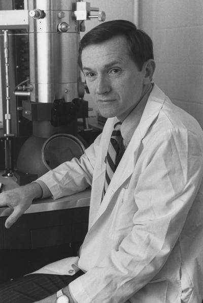 Marksbery, William R., Professor of Neurology, Pathology, and Anatomy, photographer: University Information Services