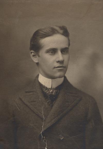 Reisch, Charles, Alumnus