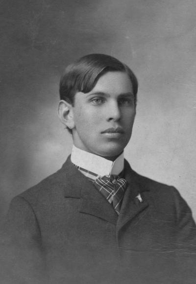 Vance, A. J., Alumnus