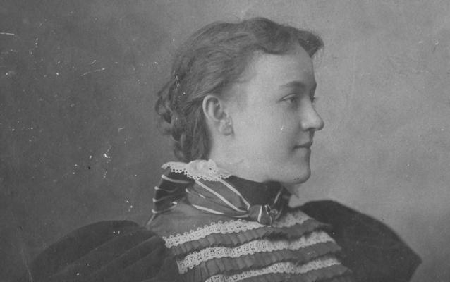Cartwright, Nina, Alumna