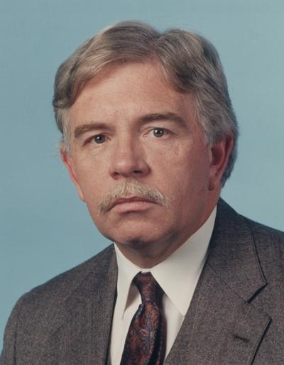 Squires, Jim, former Chicago Tribune journalist; business man in Lexington