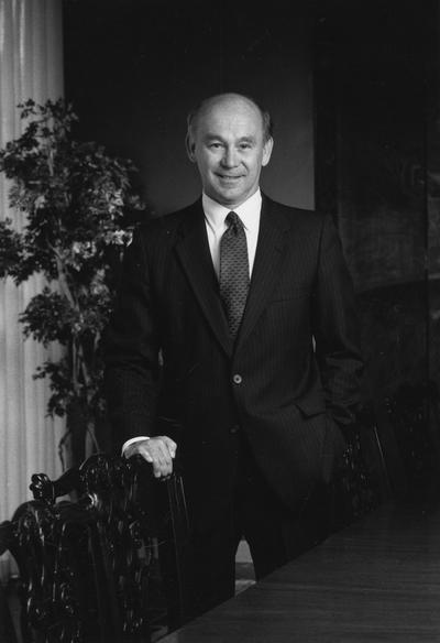 Chellgren, Paul, Member, University of Kentucky alumnus, Bachelor of Sciences, 1964; member of Board of Trustees, 1993 - 2003