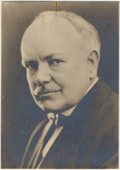 A portrait of Dean F. Paul Anderson
