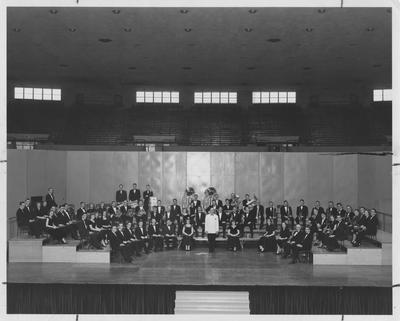 Concert band conducted by Frank Prindl; Photographer: LaFayette Studio