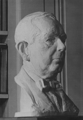 Bust of Neal Trimble McKee, B. M. E. 1903, D. Sc. 1946