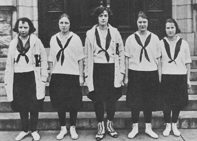 Margaret Jameson (manager, far left), Mildred Morris (2nd from left), Dorothy Potter (captain, center), Nacy Stephenson (2nd from right), and Harriet Felsenthal are all members of the 1922 women's basketball team; photo appears on page 147 in the 1922 Kentuckian