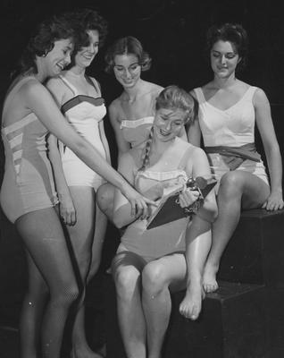 Five unidentified members of the Blue Marlins aquatic ballet club; Lexington Herald-Leader photo