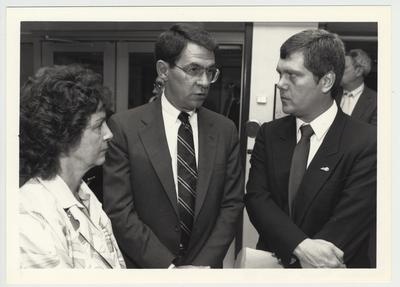 President Roselle (center) standing and talking at the 1987 Legislative Tour