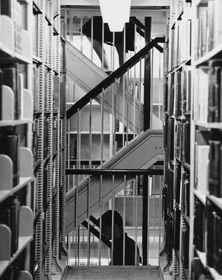 Open stacks in the King Library went up to the fifth floor (now presently Special Archives and closed stacks). Photographer: R. R. Rodney Boyce and Associates