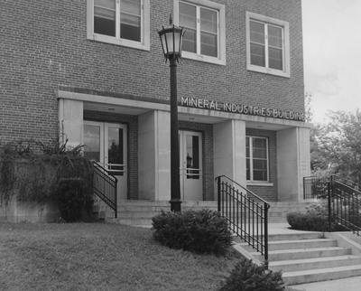Front of the Mineral Industries Building in the 1950's when it housed the Department of Mines and Minerals and the Kentucky Geological Survey