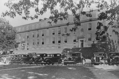 Parking around McVey Hall was ample in the early years of the University of Kentucky