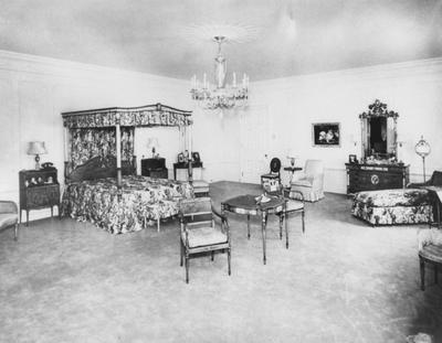 Bedroom inside Spindletop Hall