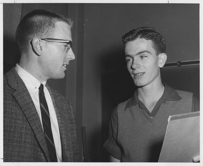 Richard Roberts (left) and Terrence Fitzgerald are both members of the UK Debate Team. Received October 14, 1958 from Public Relations. UK photographer