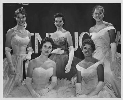 1958 Kentuckian Contest; Front Row (left to right): Judy Ruffner and Tracy Walden; Back Row (left to right): Libby Hanna, Sally Wiedenhoefer, Susan Haselden