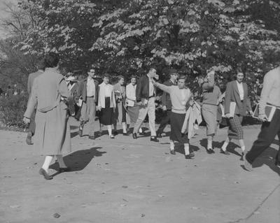 Students walking to class; Included are: Anna Hornsby, Sandra Stevens, Barbara Dawson, Carolyn Prince