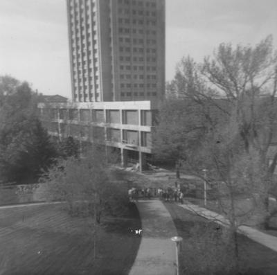 View of President Kirwan and students from the King Library