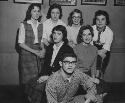Unidentified group of students; Donated by Leo Brauer of the Public Relations Division of the College of Agriculture