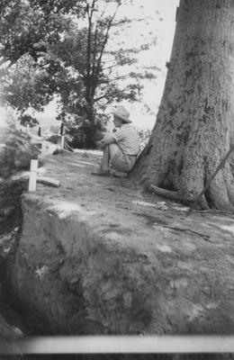 Archeological work at the Dover Indian mound site near Lexington, Kentucky directed by William S. Webb; Natalie Woodbury pictured