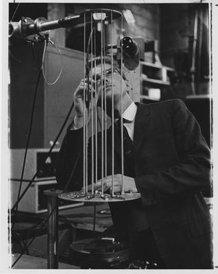 A man observing an experiment