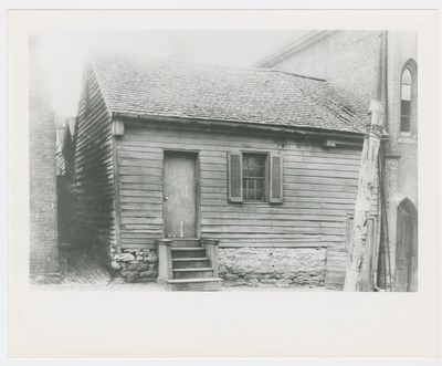 Slave house next to Wendover Stables on west side of Limestone Street