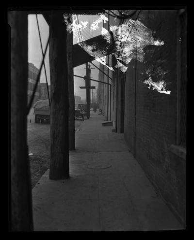 Bryan Station Spring; street scene