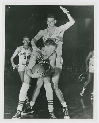 UK vs. Kansas State; Frank Ramsey, Clyde Lovellette (Kansas), and Bill Spivey