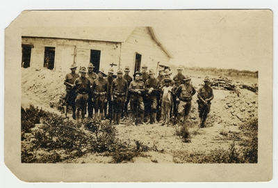 James Yates and other soldiers 50 yards from the Rio Grande River