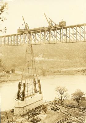 Cranes doing construction on High Bridge