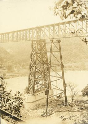 Construction on post of High Bridge