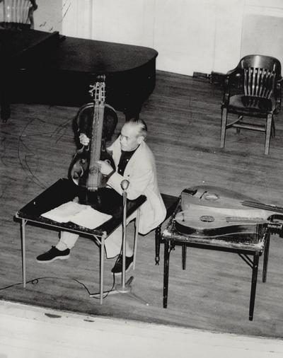 Performance by John Jacob Niles