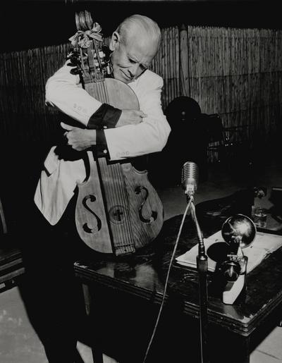 Performance by John Jacob Niles at Pine Mountain State Park; Pine Mountain, KY
