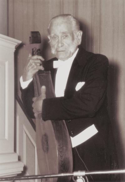 Performance by John Jacob Niles at Hamilton College; Clinton, New York; David Shumway
