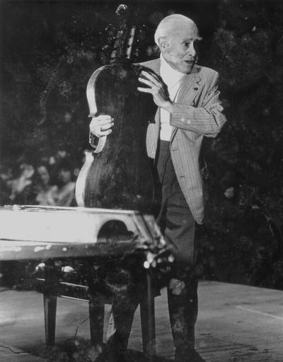 Performance by John Jacob Niles at Ashland, KY; Crance Photo