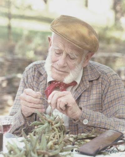 John Jacob Niles outdoors; Boot Hill Farm; Tony Leonard